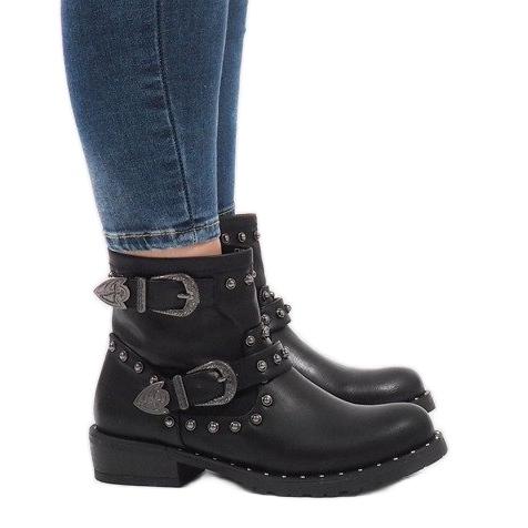 Černé boty se sponami a flitry A8018 černá