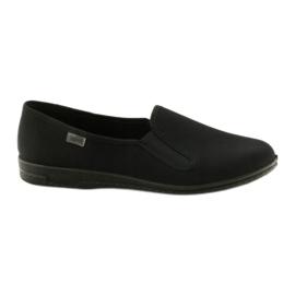 Černé pantofle Befado 001M060 černá