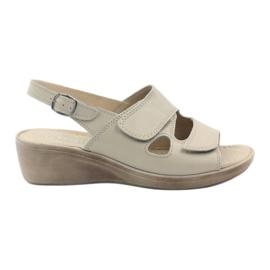 Hnědý Gregors 592 béžové dámské sandály
