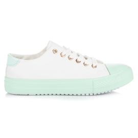 Bílé tenisky na zelenou platformu bílá