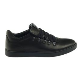 Černá botka Pilpol PC051