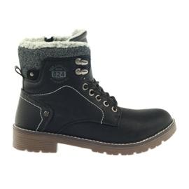 Černá botka DK2025