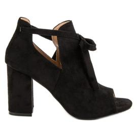 Vinceza Zabudované sandály na baru černá