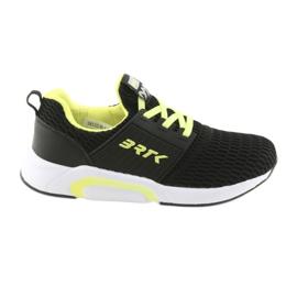 Bartek 58110 Černá skluzová sportovní obuv