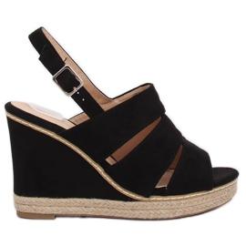 Černá Sandály na klínových podpatcích černé 9069 Black
