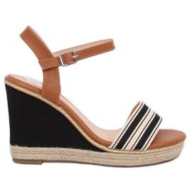 Sandály na klínech černá 9068 černá