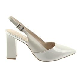 Šedá Dámské sandály na postu Caprice 29604 šedé