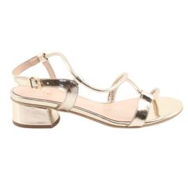 Žlutý Sandály zlaté na podpatcích Edeo 3386