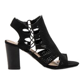 Goodin černá Módní černé sandály