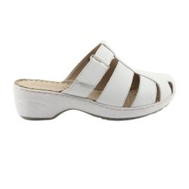 Dámské pantofle Caprice 27350 bílá