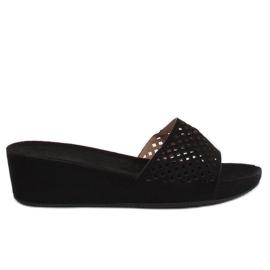 Černá Prolamované černé pantofle JS-03 Black