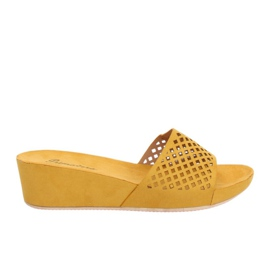 Žlutý Žluté prolamované pantofle JS-03 Yellow