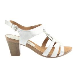 Dámské sandály Caprice s ozdobou 28308 stříbrný ovál