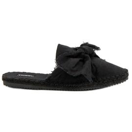 Vestavěné pantofle VICES černá