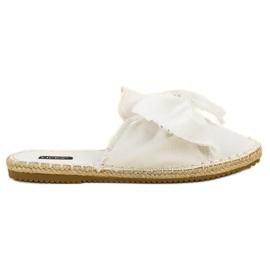 Vestavěné pantofle VICES bílá