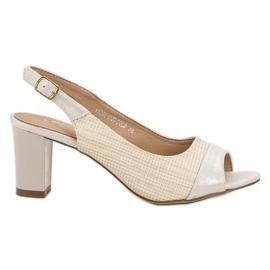 Evento hnědý Elegantní béžové sandály