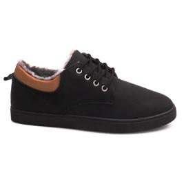 Izolované tenisky s kožešinou E655-1 černá