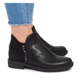 Kotníkové boty WW070A Černá