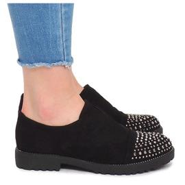 Módní obuv s čepy 22-2 černá