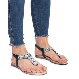 Černé ploché sandály s diamanty Larissa černá