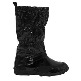 Černá Černé krátké lakované boty Y110