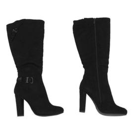 Černá Černé boty na izolovaném sloupku 617-1