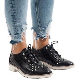 Černá Černé prolamované boty s čepy G-106-2