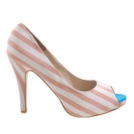 Růžové boty na podpatku K011