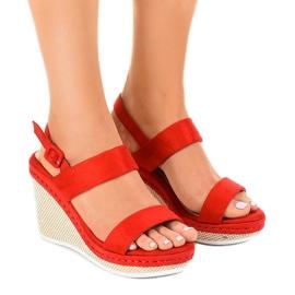 Červené U-6291 klínové sandály červená