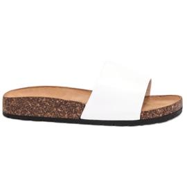 Bello Star bílá Klasické bílé pantofle