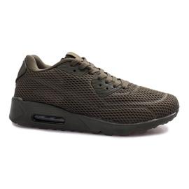 Černá sportovní obuv