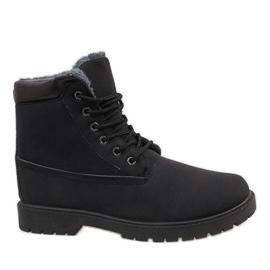 Černá Černé izolované turistické boty 7M500A