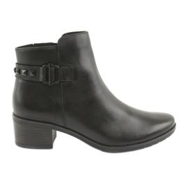 Černá Caprice 25433 černé boty s černými cvočky