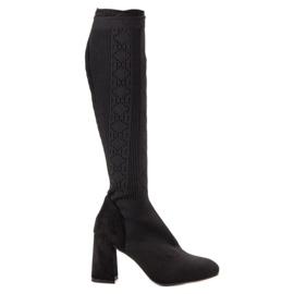 Seastar černá Černé prolamované boty