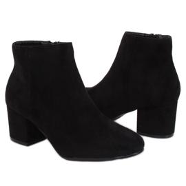Černé boty na podpatku černé YQ216P Černá