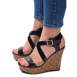 Klínové sandály S260 Černá