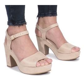 Hnědý Béžové boty značky Boiset