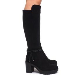 Suede Boots On The Post ES8516 Černá