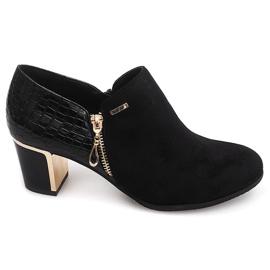 Kotníková obuv 6661 Černá