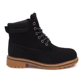 Izolované dřevěné boty H88B černé černá