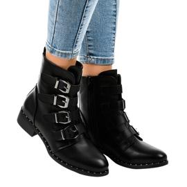 Dámské černé boty s přezkami S120 černá