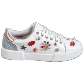 Bestelle bílá Sportovní obuv s náplastí