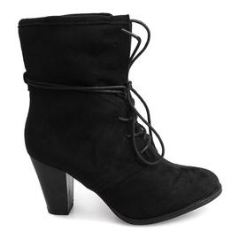 Kotníková obuv KA732 Černá