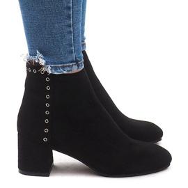 Izolované boty na poštu M217 Černá
