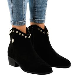 Černá Černé semišové boty zdobené JH356