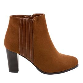 Hnědý Dámské hnědé boty ze semiše K93
