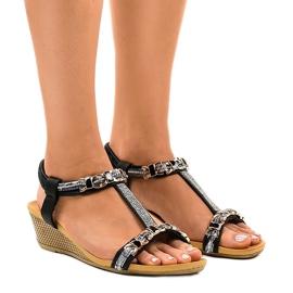 Černá Černé klínové sandály s čepy 9-59