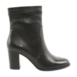 Caprice Vysoké boty s tryskami černá