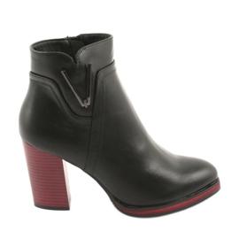 Černé boty Sergio Leone 537