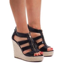 Klínové sandály 100-575 Černá